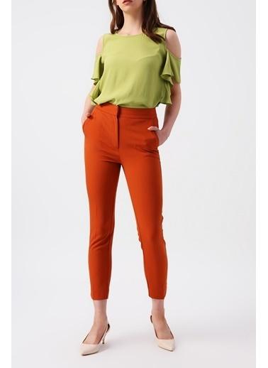 Random Kadın Omuz Dekolteli Kolu Fırfırlı Sıfır Yaka Bluz Yeşil